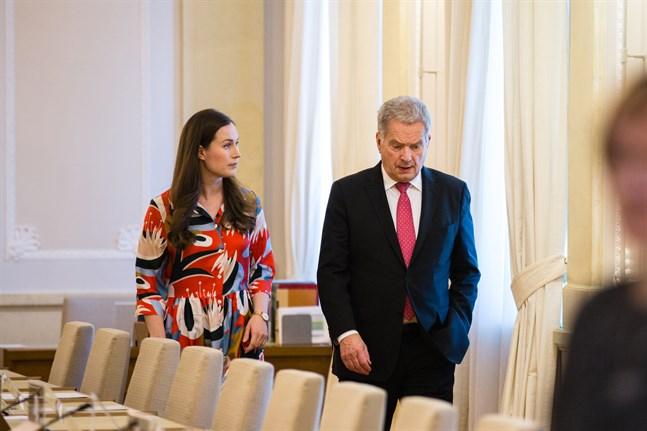 Statsminister Sanna Marin och president Sauli Niinistö.