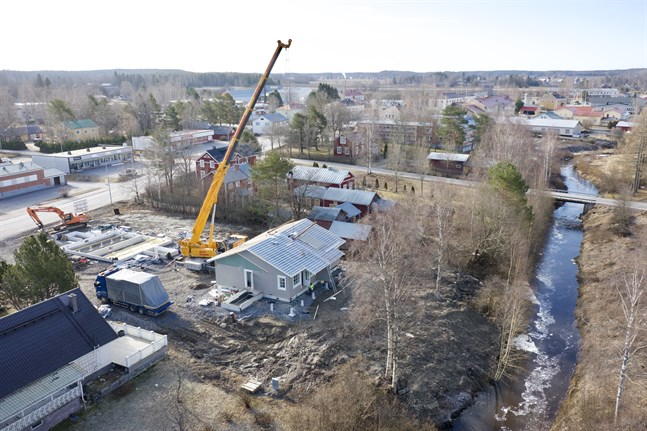 Nybygget i centrum av Vörå blir klart denna vecka.