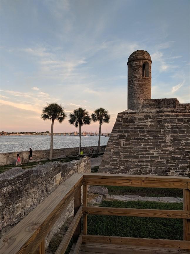 Castillo de San Marcos är det äldsta fästningen i det kontinentala USA. Den byggdes för att skydda och försvara Spaniens erövring i den nya världen.
