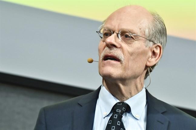 Riksbankschefen Stefan Ingves har inför tisdagens räntebesked sagt att Riksbanken kommer att göra vad som krävs i coronakrisen.