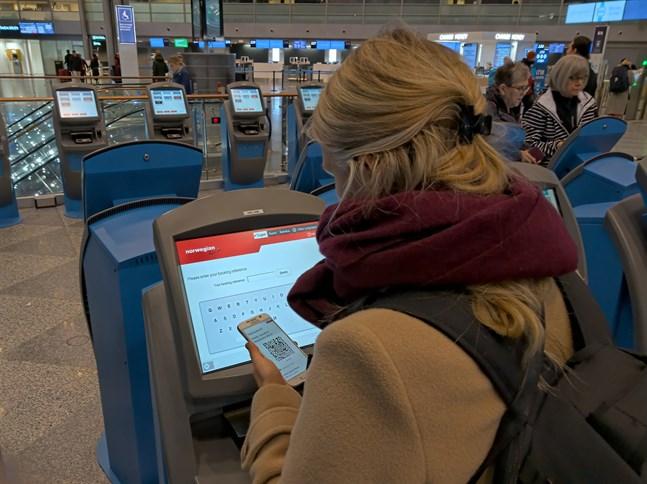 Enligt konsumentombudsmannen är det klokast att kräva ekonomisk ersättning för avbokat flyg och inte godta Norwegians anbud om flygpoäng.