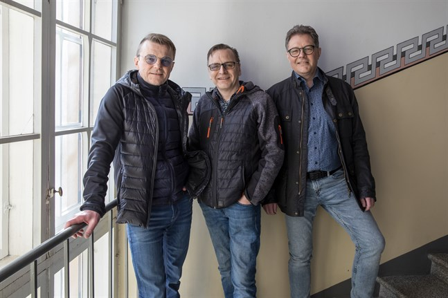 Tomas Fant, Svante Betlehem och Patrick Ragnäs hoppas att morsdagsdansen ska locka tittare i alla åldrar.