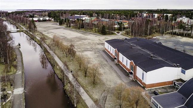 Området för den tänkt hybridarenan och idrottsparken i Karleby.