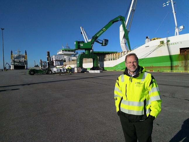 Patrik Hellman, Kaskö hamns vd, uppger att augusti blir ännu en stark månad för hamnen.