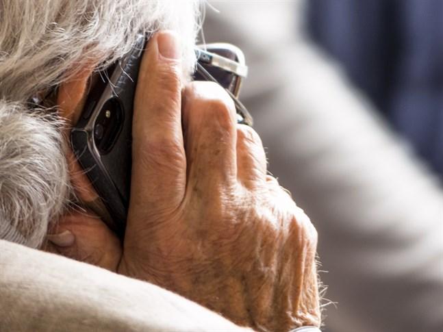 Det är viktigt att hålla kontakt med sina anhöriga och vänner också under undantagsförhållandena, till exempel per telefon eller över internet.