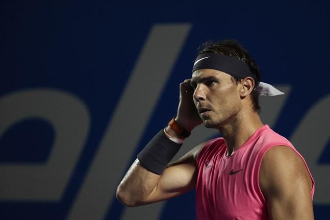 Rafael Nadal, spanjoren som har vunnit tre raka singeltitlar i Franska mästerskapen, kan få försvara sin segerrad inför tomma läktare. Arkivbild.