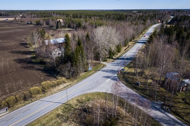 Vägen mellan Höstves och Merikart.