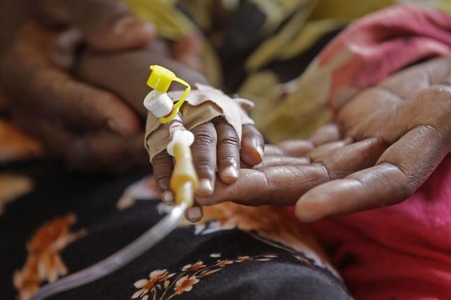 Barnadödligheten i utvecklingsländer väntas öka under coronapandemin. Bilden är från ett tidigare tillfälle och har ingen koppling till texten.