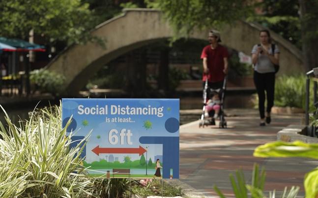Uppmaningar om social distansering i San Antonio, Texas.