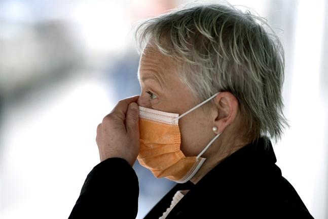 Från och med den 18 maj blir det krav på att bära munskydd som täcker näsa och mun på SAS flygningar. Arkivbild.