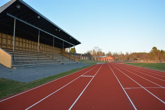 Mirza Hodzic vill se en allaktivitetshall på Korsnäs Arena-området. Roger Bergströms vision är en centralskola kombinerat med allaktivitetshallen som gymnastiksal.