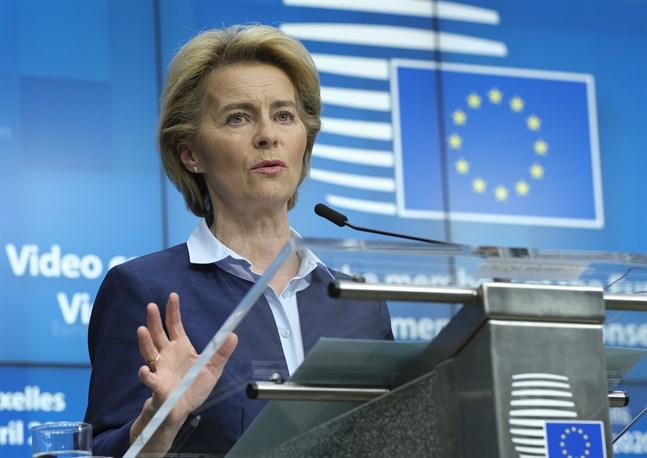 EU-kommissionens ordförande Ursula von der Leyen laddar för att lägga fram nya förslag på en återhämtningsfond för coronakrisen och EU:s långtidsbudget. Arkivbild.