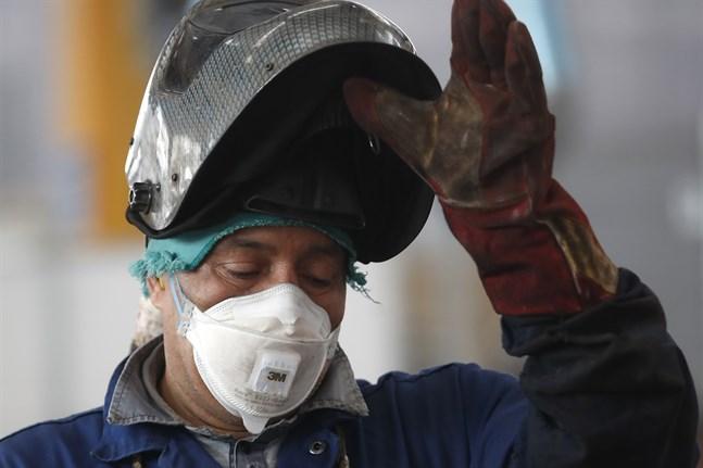 Industriproduktionen minskade kraftigt i EU i mars månad, på grund av coronakrisen. Arkivfoto.