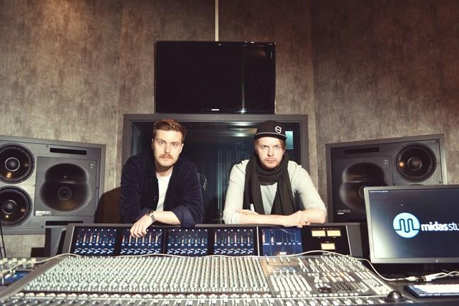"""Opus Symbiosis album """"Fata Morgana"""" har producerats av trummisen Daniel Hjerppe och gitarristen Victor Sågfors och spelats in på Midas Studios i Replot."""