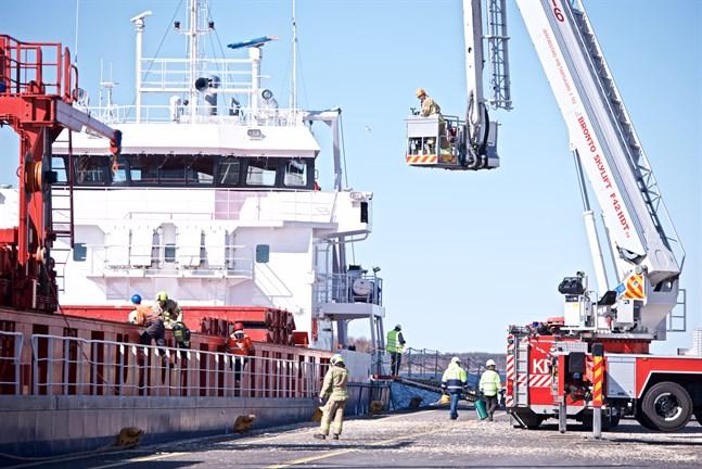 Fallolyckan skedde ombord på det här fartyget strax innan det skulle avgå från hamnen.