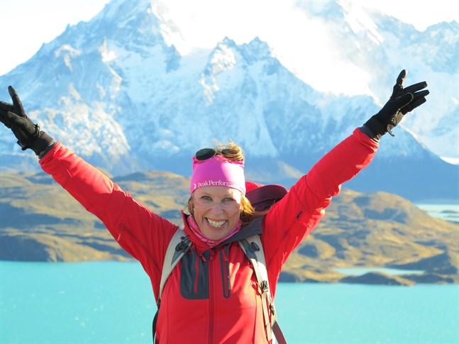 Annika Björkroth jobbar som researrangör i Stockholm. Här är hon i nationalparken Torres del Paine i Patagonien i Chile. Platsen låg länge nummer ett på listan över ställen hon vill se. Det tog 21 år innan hon äntligen kom dit.