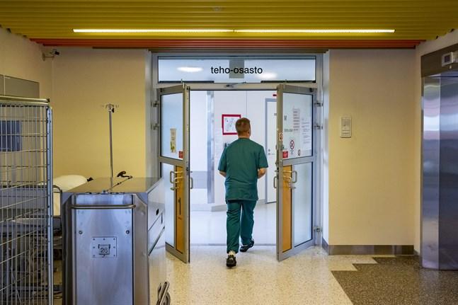 Antalet personer som vårdas på sjukhus på grund av coronaviruset har minskat sedan början av maj.