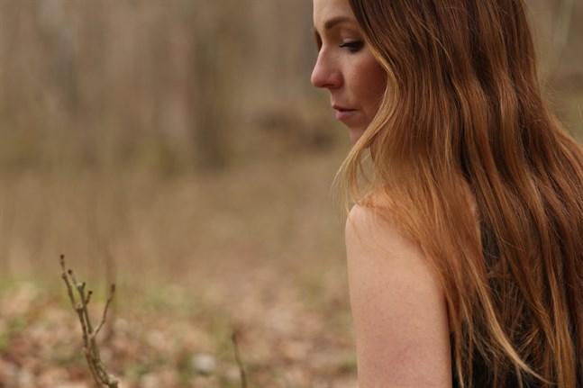 Nina Lassander får ett bidrag från föreningen Konstsamfundet för att spela in ny musik.