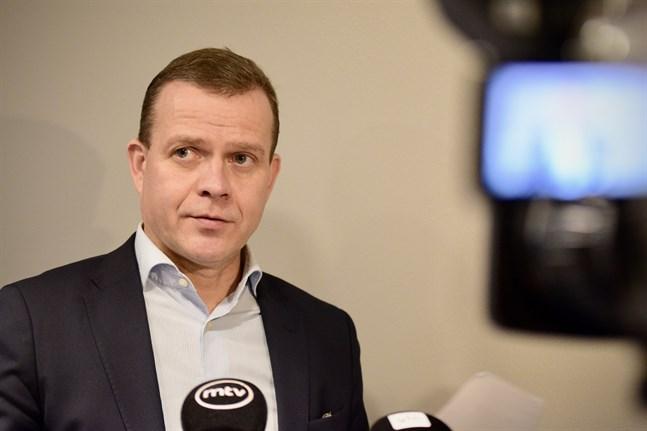 Samlingspartiets ordförande Petteri Orpo gick hårt åt regeringen i sitt öppningstal av partiets fullmäktigemöte på lördagen. Arkivbild.