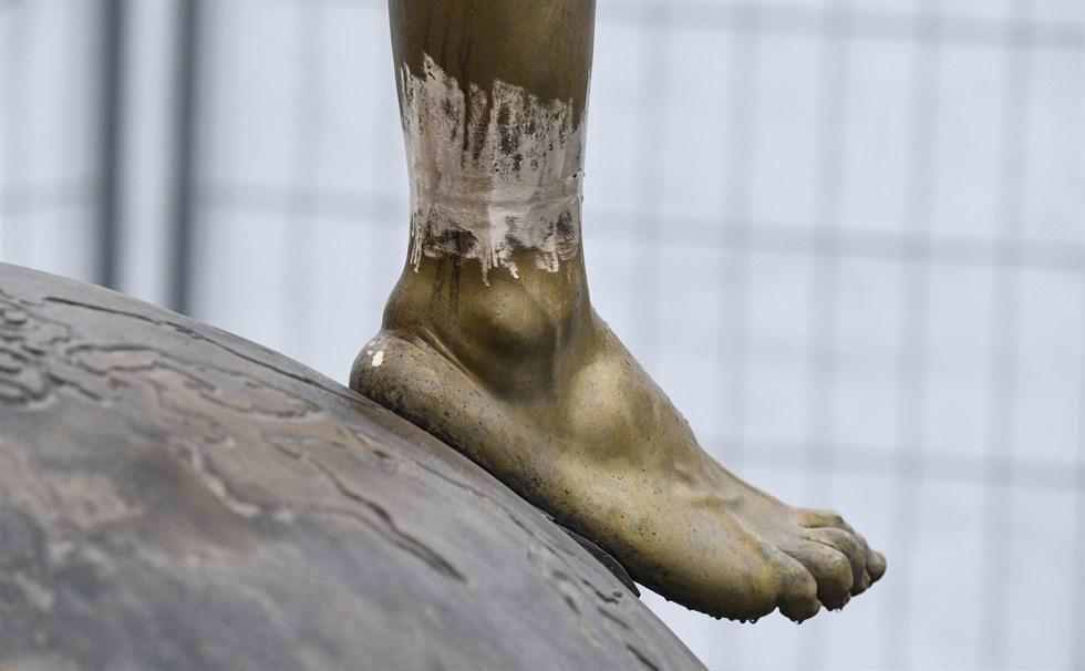 Zlatans Staty Flyttas Efter Upprepad Vandalisering Vasabladet