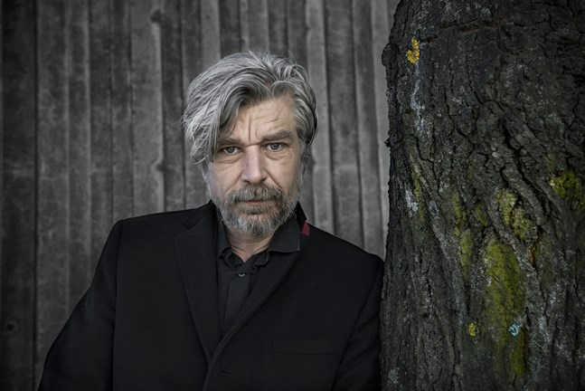 """Karl Ove Knausgård släpper romanen """"Morgenstjernen"""" i höst."""