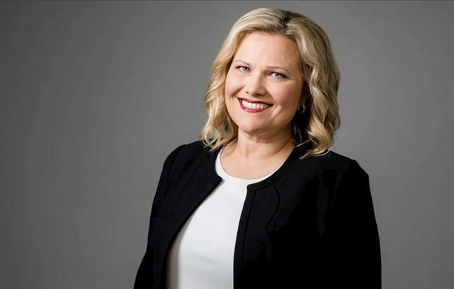 Johanna Törn-Mangs tillträder som ny direktör för Svenska Yle i juli. Hon har jobbat i mediebranschen i över 20 år och är glad att Yles styrelse värderade journalistiskt kunnande i direktörsvalet.