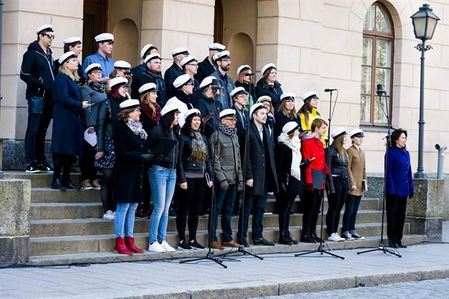 Så här såg det ut när studentkören Pedavoces sjöng in våren på valborgmässoaftonen 2018. I år blev det varken trappsång eller vårkonsert.