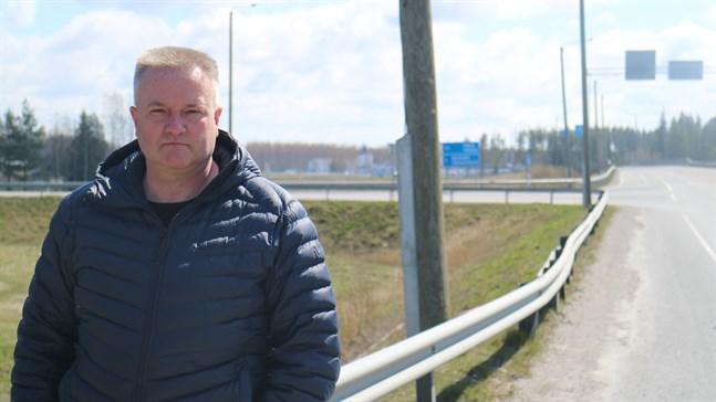 Edsevökorsningen har blivit betydligt säkrare, säger Staffan Molander, vd på Molanders transport, men avsaknaden av en fjärde ramp orsakar fortfarande farosituationer.