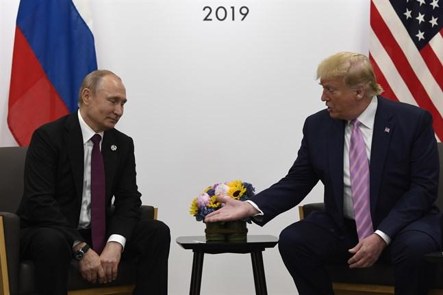 Rysslands president Vladimir Putin och hans amerikanska kollega Donald Trump har tidigare diskuterat framtiden för det så kallade Open skies-avtalet. Arkivbild.
