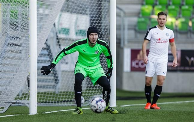 Karl-Filip Eriksson spelade med VPS ifjol, men där blev det mest matcher med division 2-laget VPS Akatemia. Nu återvänder han till Kraft.
