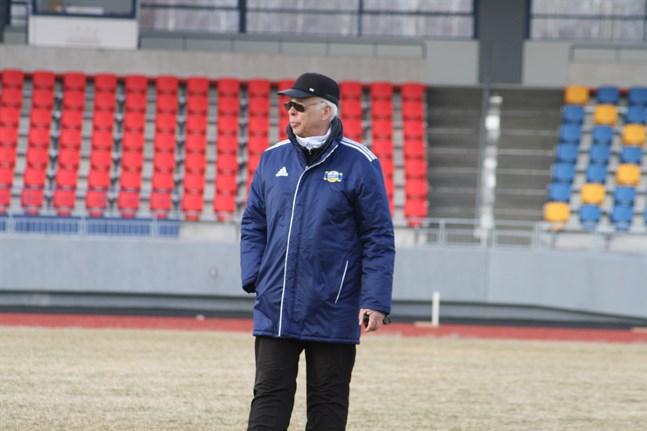 Janne Bergman väntar ivrigt på att friidrottssäsongen ska köra igång. Snart är det dags och redan den 8 juni tävlar man i Tomatspelen på Mosedal.
