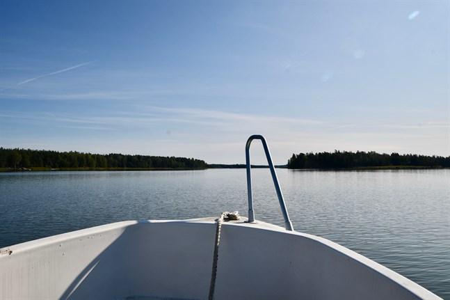 Det vackra vädret har lockat ut båtfolket på vattnet.