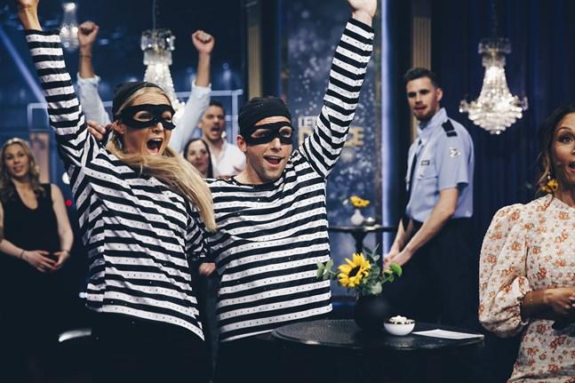 Anders Svensson rakade hem skratt när han och danstruppen lekte