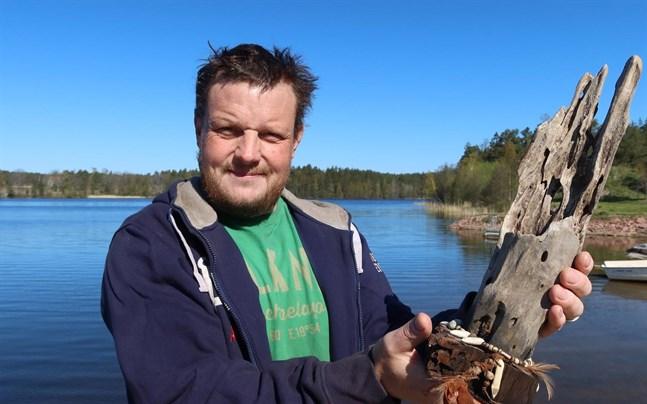 Micke Björklund från Åland tog hem årets statyett i svenska Robinson.