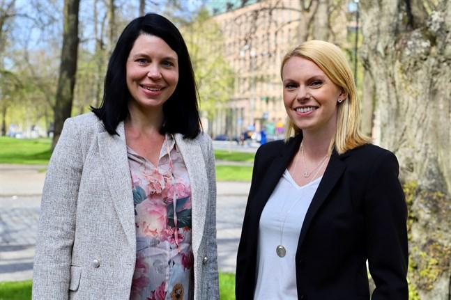 Patricia Brännkärr och Anna Fanth hoppas att potentiella kunder i Österbotten får upp ögonen för dem.