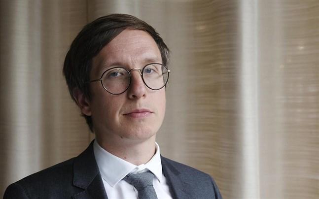 Markku Lehmus, prognoschef vid Etla, tror på en ganska snabb återhämtning efter en djup dykning. Det kommer ändå att dröja flera år innan bnp når samma nivå som år 2019.