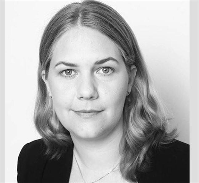 Maria Olin är uppvuxen i Sundom och Solf men bor sedan tjugo år tillbaka i Stockholmsregionen.