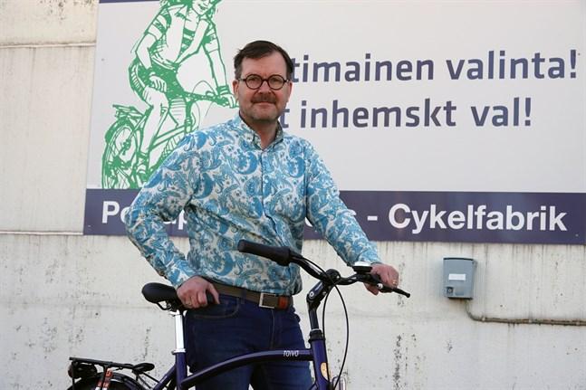 –Nätförsäljningen av reservdelar för cyklar har ökat, säger Jan Bonn, verkställande direktör på Tähtipyörä.