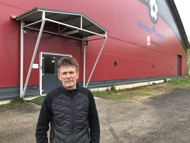 Håkan Nyman har sålt sin fotbollshall. Nya ägaren gör om hallen till en padelhall.