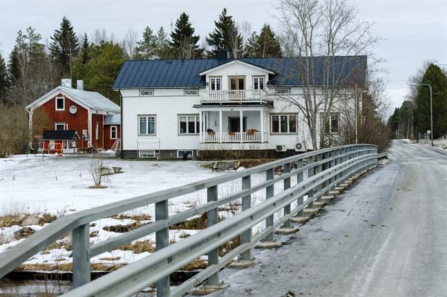 Femton bostadstomter är planerade på området nära den gamla prästgården i Nedervetil.