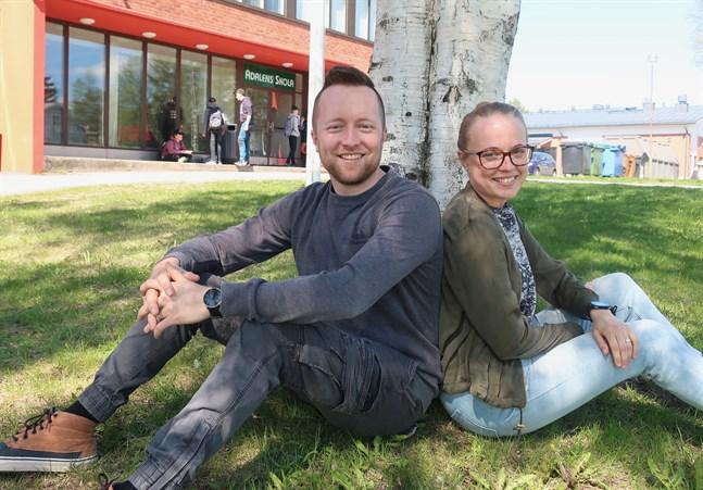 Roland Snellman och Camilla Svenfelt är duon bakom Elevpodden.