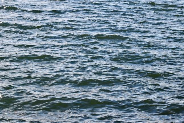 Mannens sjunkna roddbåt hittades med hjälp av räddningsverkets drönare.