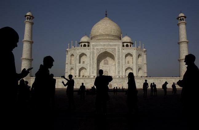 Ett våldsamt åskoväder som slog mot norra Indien har skadat delar av det världsberömda mausoleet Taj Mahal i Uttar Pradesh. Arkivbild.