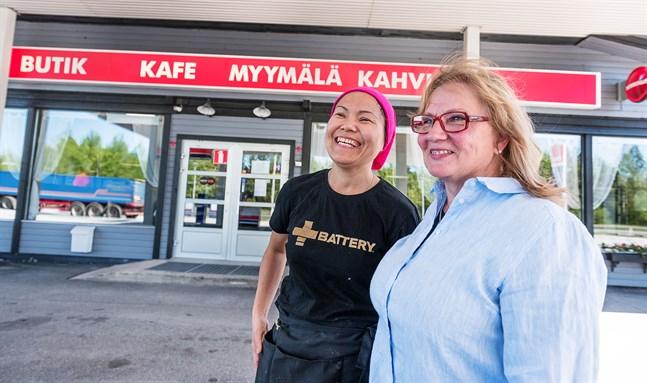 Naphakan Lindén och Lilian Ojalammi driver Unogrillen vid Mysinge tillsammans. De har båda gott om erfarenhet från restaurangbranschen sedan tidigare.
