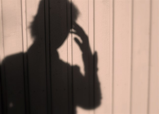 Fysiologiska avvikelser i pannloben kan tyda på förhöjd psykosrisk, enligt en ny doktorsavhandling.