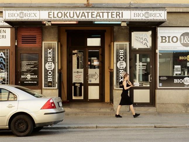 Biografen i Karleby öppnar igen på fredag efter mer än två månader utan inkomster.