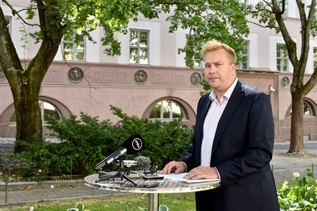 Försvarsminister Antti Kaikkonen (C) sammanträder med de nordiska försvarsministrarna på tisdag.