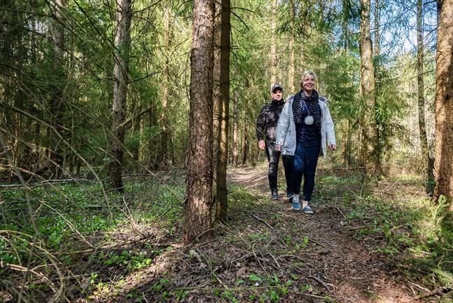 Öjskata vandringsleds målgång sker i riktig trollskog, enligt Torbjörn Nyholm och Emilia Ingman.