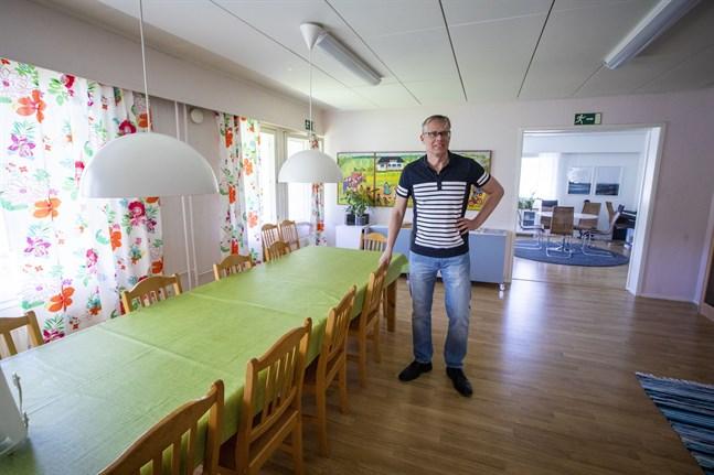 Mats Hägglund, migrationsdirektör, säger att allt är klappat och klart för de minderåriga flyktingbarnen.