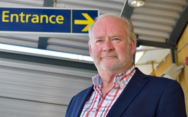 –Det som skiljer Karleby-Jakobstad flygplats från andra mindre flygplatser är att vårt upptagningsområde är exporttungt, säger Stig-Göran Forsman, vd för Kronoby flyghangar.